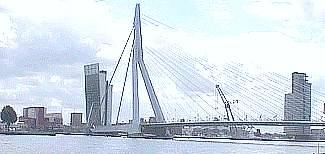 Rotterdam - Erasmusbrücke und ''Toren op Zuid''