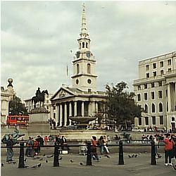 Trafalgar Square, im Hintergrund St.-Martin-in-the-fields