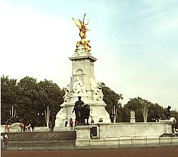 Queen-Victoria-Memorial vor dem Buckingham-Palast