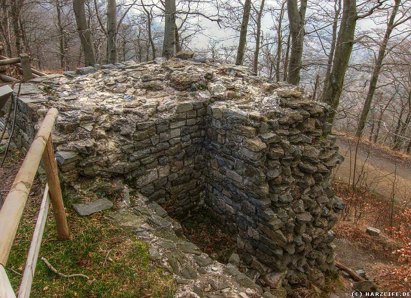 Die Mauern des rekonstruierten Kammertores