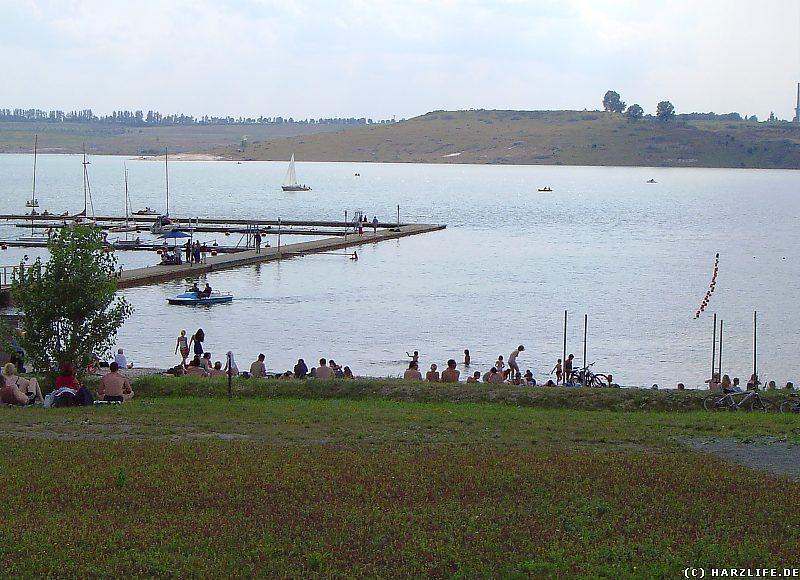 Der Badestrand am Concordiasee bei Schadeleben im Juli 2004