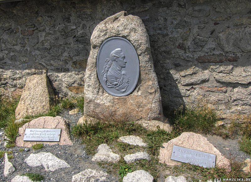 Die Goethe-Gedenktafel auf dem Brocken