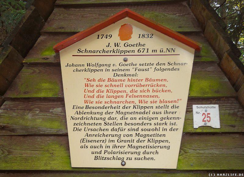 Gedenk- und Infotafel an den Schnarcherklippen