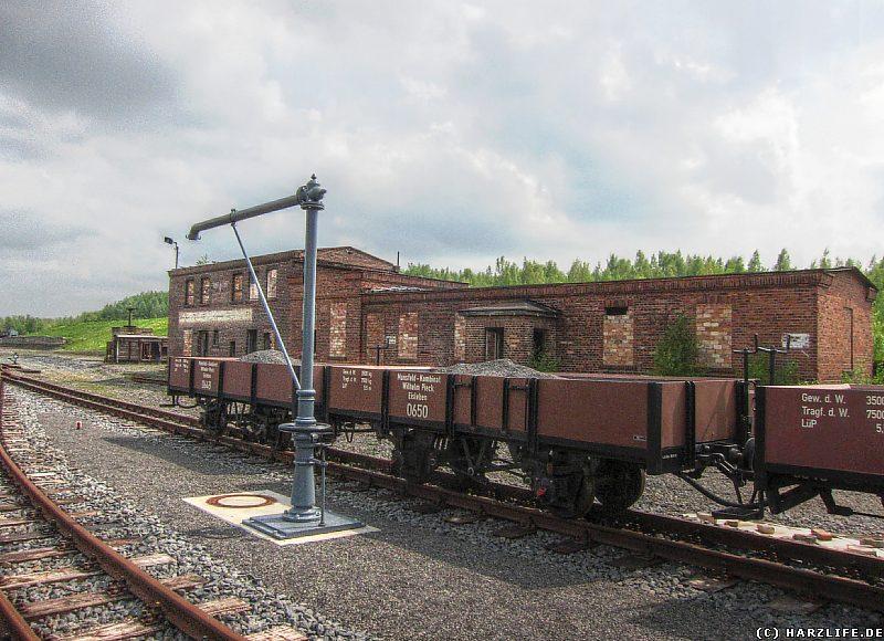 Kieswagen auf dem Gelände des Bahnhofs Hettstedt-Kupferkammerhütte