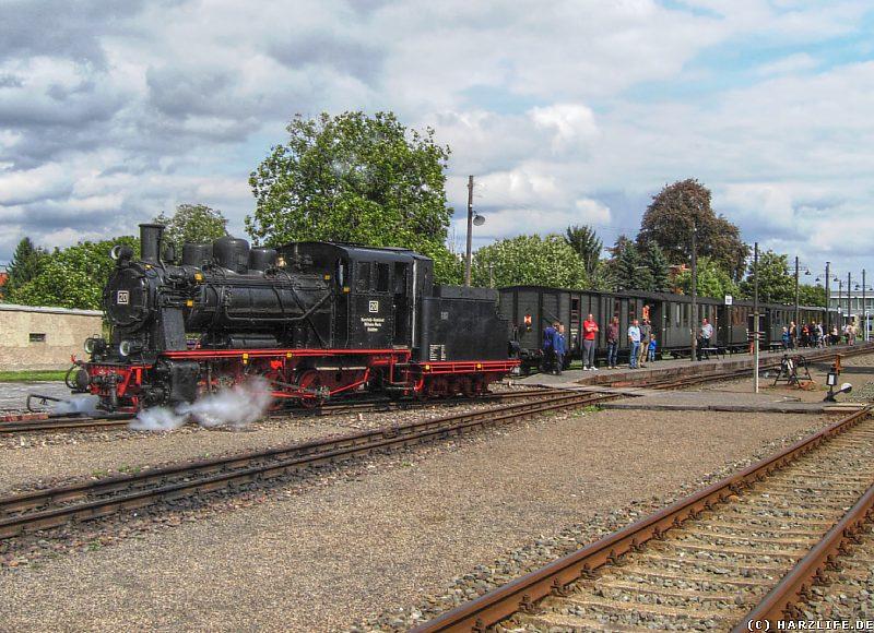 Rangiervorgang der Dampflok Nr. 20 auf dem Bahnhof Benndorf