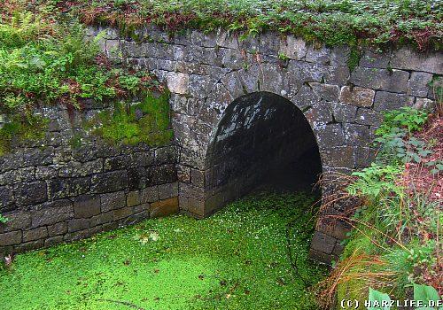 Mundloch des  Huttaler Wasserlaufs
