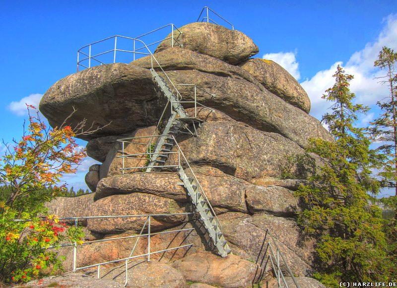 Der Blick zum Gipfel des Ottofelsens
