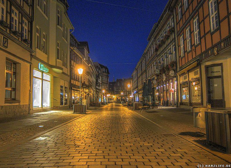 Die menschenleere Breite Straße