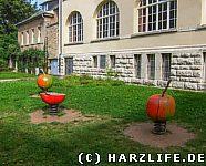 Spielgeräte an der Augustapromenade