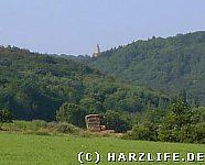 Blick aus dem Harzvorland auf die Burg