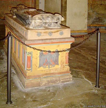 Sarkophag Heinrich III. in der St.-Ulrich-Kapelle